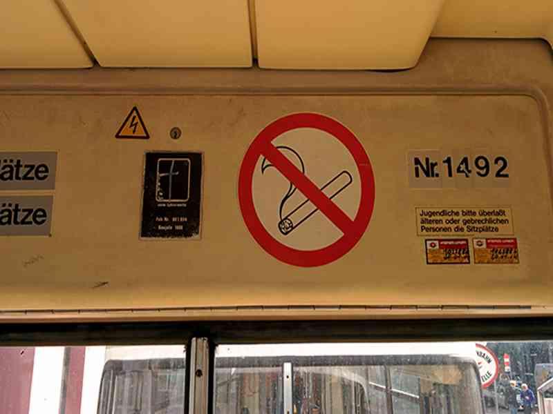 Straßenbahn Wagennummer innen