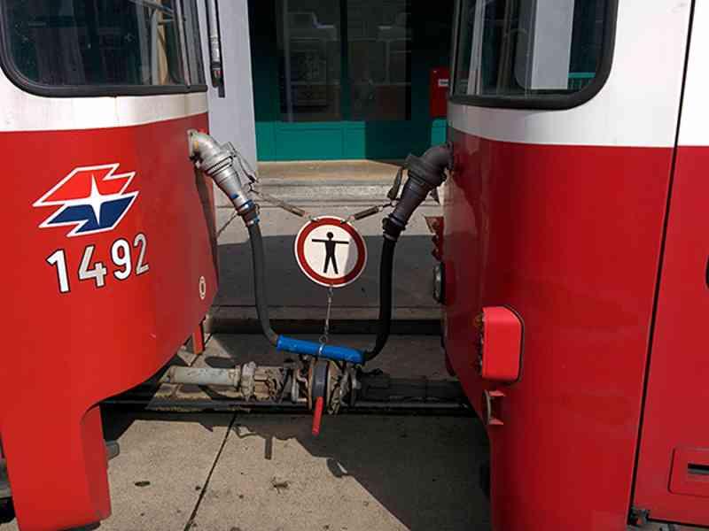 Straßenbahn Wagennummer außen