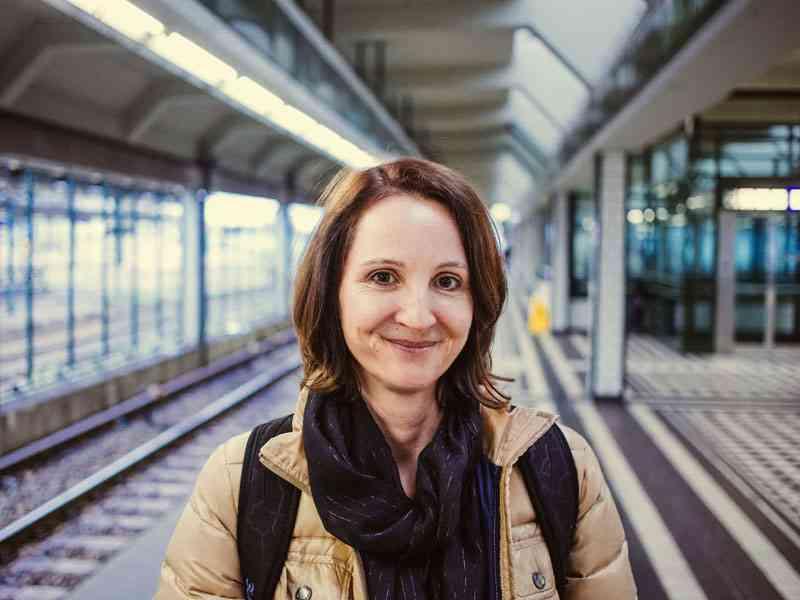 Dominga Federspiel, Bedienstete an der Wirtschaftsuniversität. Zur Station Messe Prater fährt sie viermal wöchentlich mit U4 und U2. Ab Ende April kann sie entweder mit einer Soder Regionalbahn zum Westbahnhof oder mit der Bim 49 zur U3 gelangen.