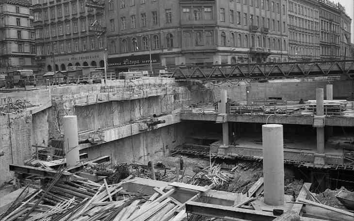 Bauarbeiten am Karlsplatz