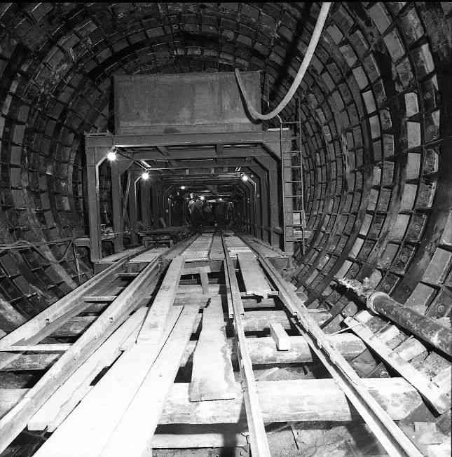 Tunnelbau in der Tiefe