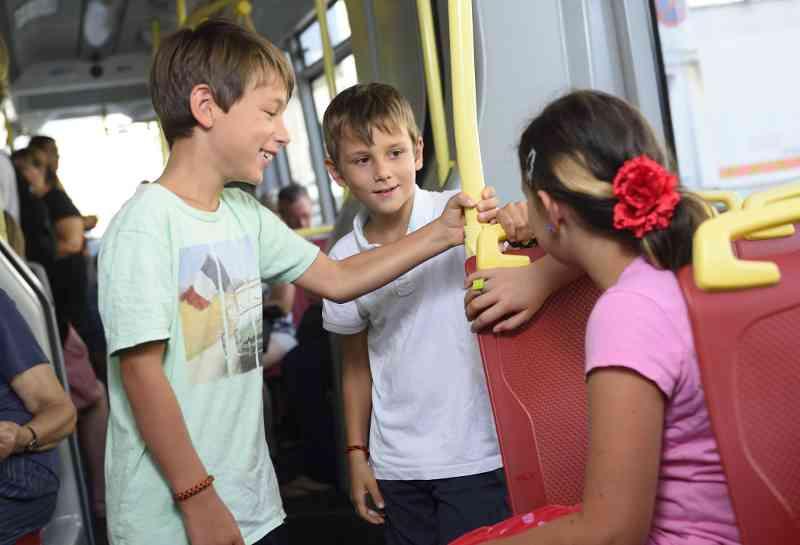 Kinder bis zum 15. Geburtstag fahren im Sommer gratis