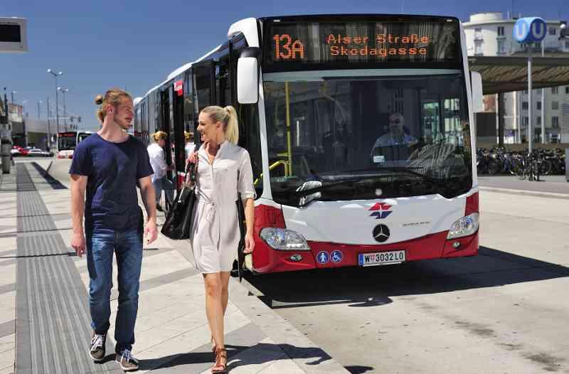 Barrierefreie Busse, die mit einer Klimaanlage ausgestattet sind, kommen z.B. auf der am stärksten nachgefragten Buslinie 13A zum Einsatz.