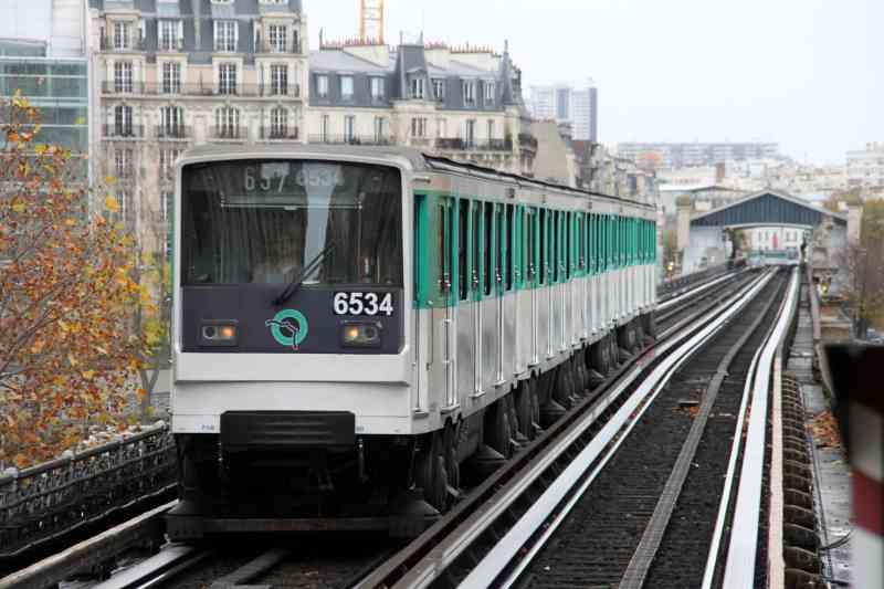 Die gummibereiften U-Bahnen sind in Paris auf fünf der insgesamt 14 Linien unterwegs. Foto: Maurits90, CC0