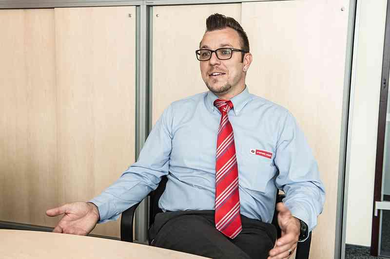 """""""Wo ich herkomm', dort grüßt man sich"""", sagt Jürgen Lutz."""