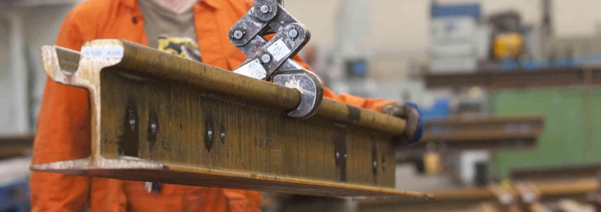 Gleisproduktion in der Oberbauwerkstätte.