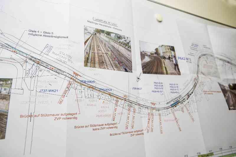 Jede Bauphase der NEU4-Modernisierung ist in Plänen festgehalten.