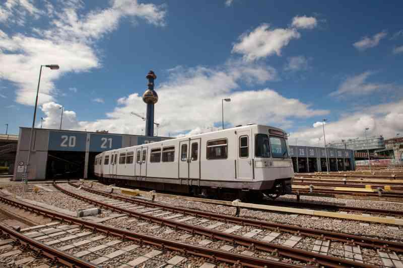 Das Gleis 0, ist auch ein Geheimtunnel. Er verbindet die U1 vom Stephansplatz mit der U4. Von hier gelangt sie zum Betriebsbahnhof Wasserleitungswiese.