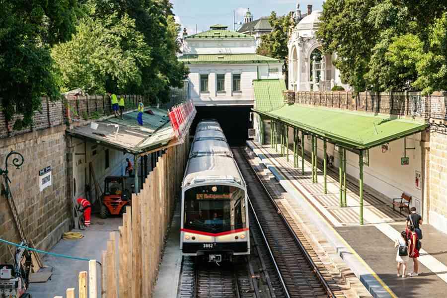 Die Generalsanierung der historischen Station Stadtpark liegt in den letzten Zügen