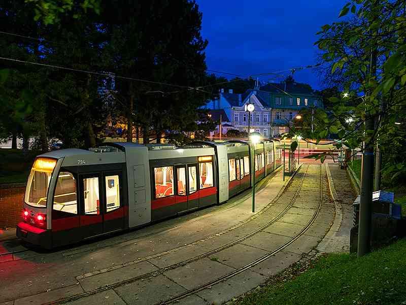Abendstimmung bei der Gleiskurve Pötzleinsdorf.