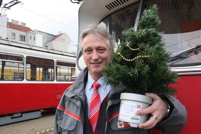 Claus Empacher feiert mit seiner Familie entweder vor oder nach.