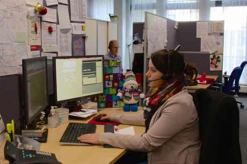 Yvonne Frey arbeitet zu Weihnachten im Kundendienst.