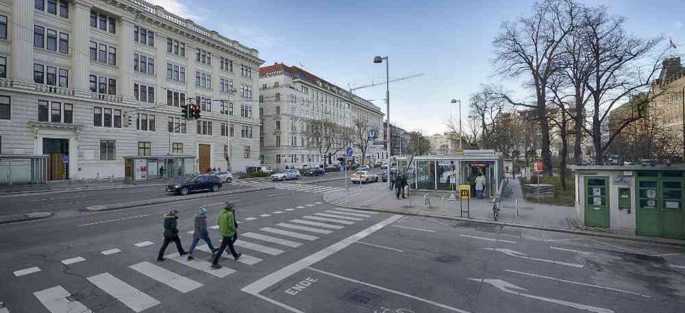 Heute gelangt man hier zur U2, künftig wird man über die Aufgänge am Friedrich-Schmid-Platz und vis-a-vis auch die U5 erreichen.