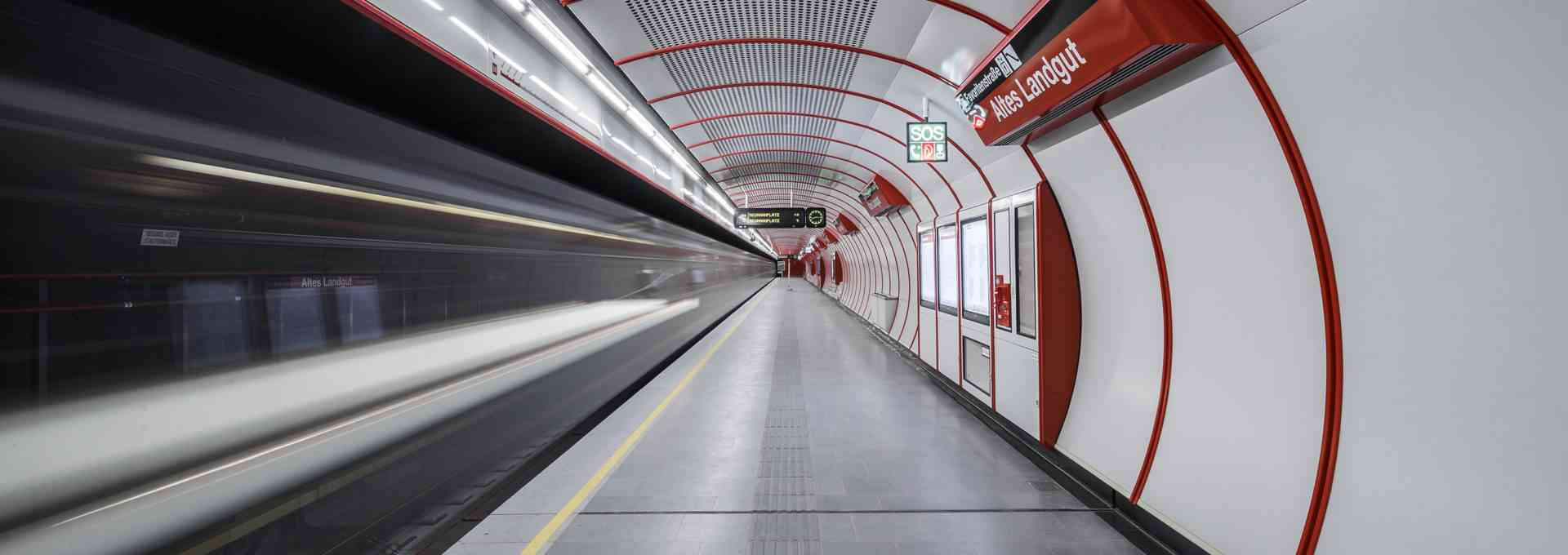 Altes Landgut, U1-Station