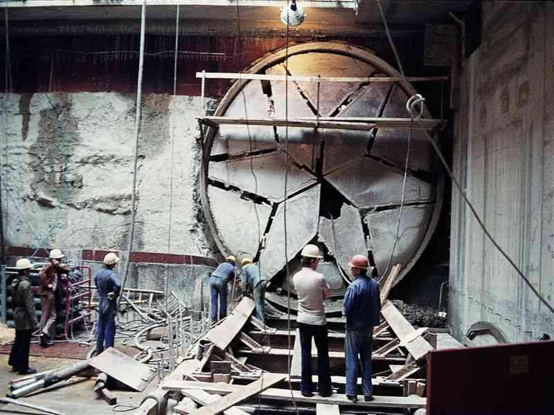 1974 Die Schildvortriebsmaschine hat ihr Ziel erreicht