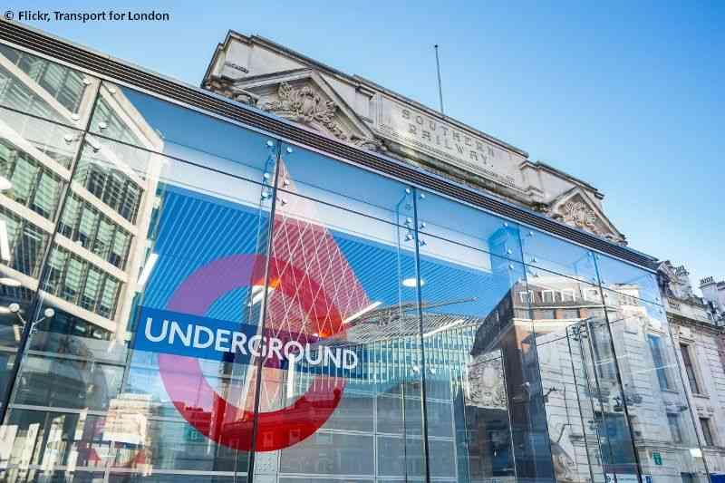 Die Victoria Station ist eine der Hauptbahnhöfe Londons und einer der zentralsten Knotenpunkte des Londoner U-Bahn-Netzes.