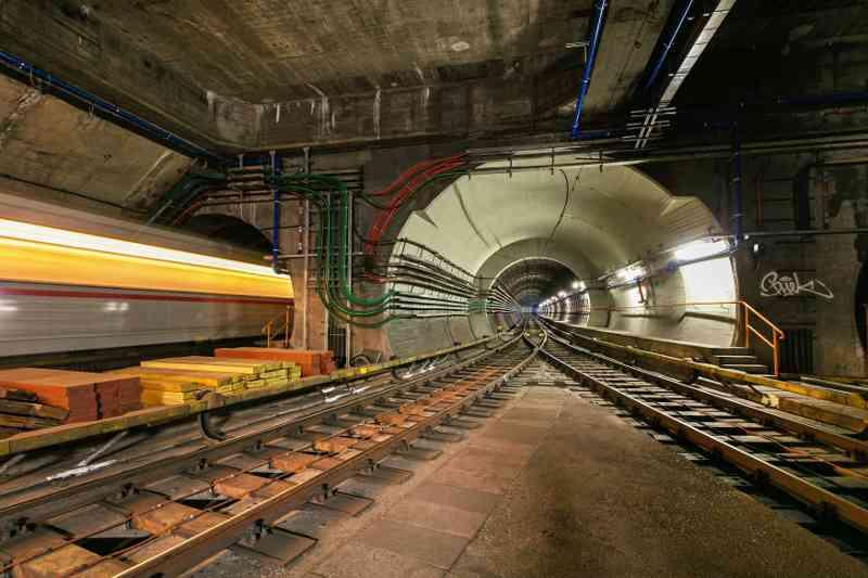 Was für geheime Tunnel und Gleise befinden sich im Wiener U-Bahn-Netz?