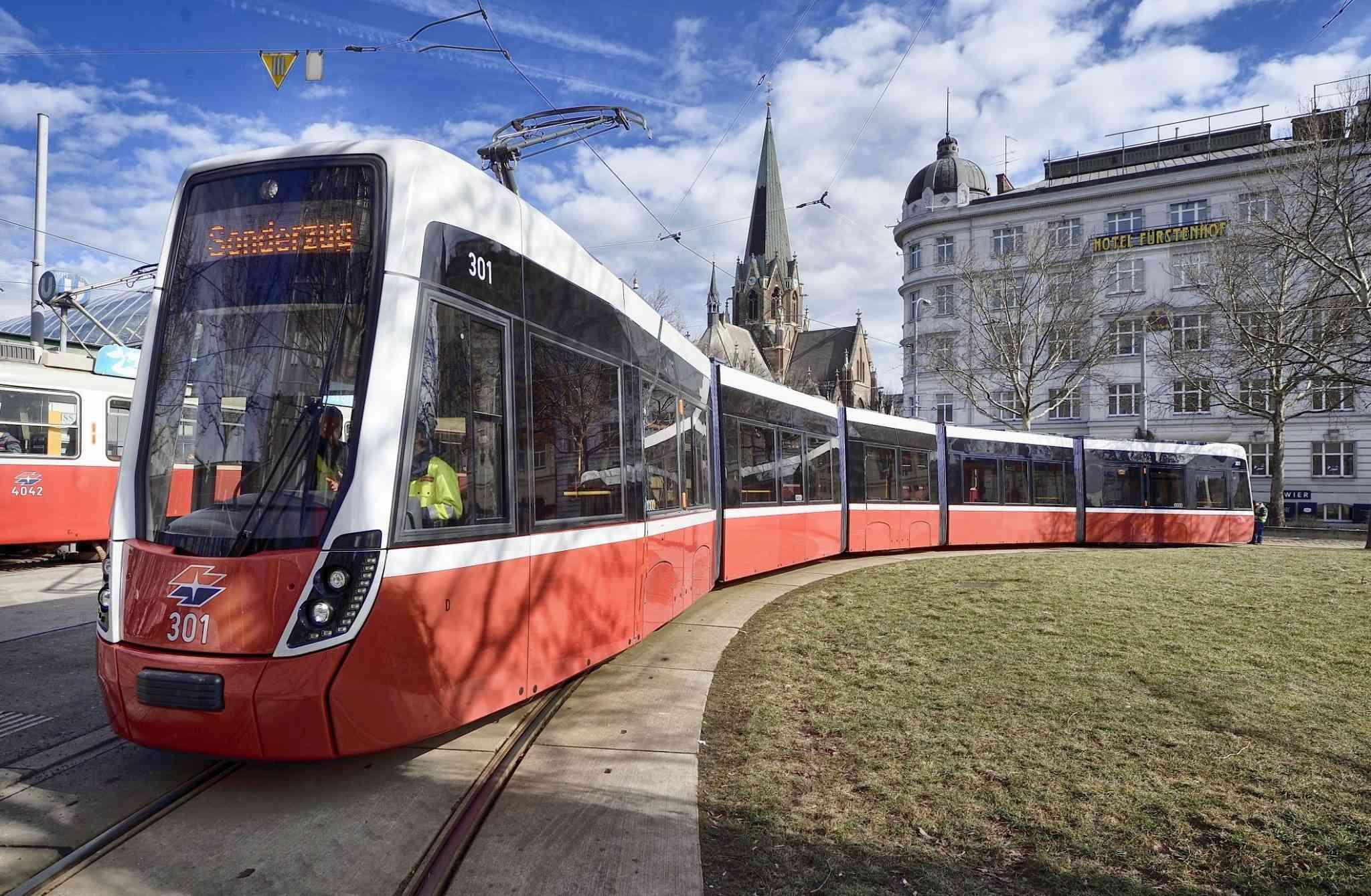 Die erste Ausfahrt des Flexity mit Fahrgästen wird Ende 2018 stattfinden.