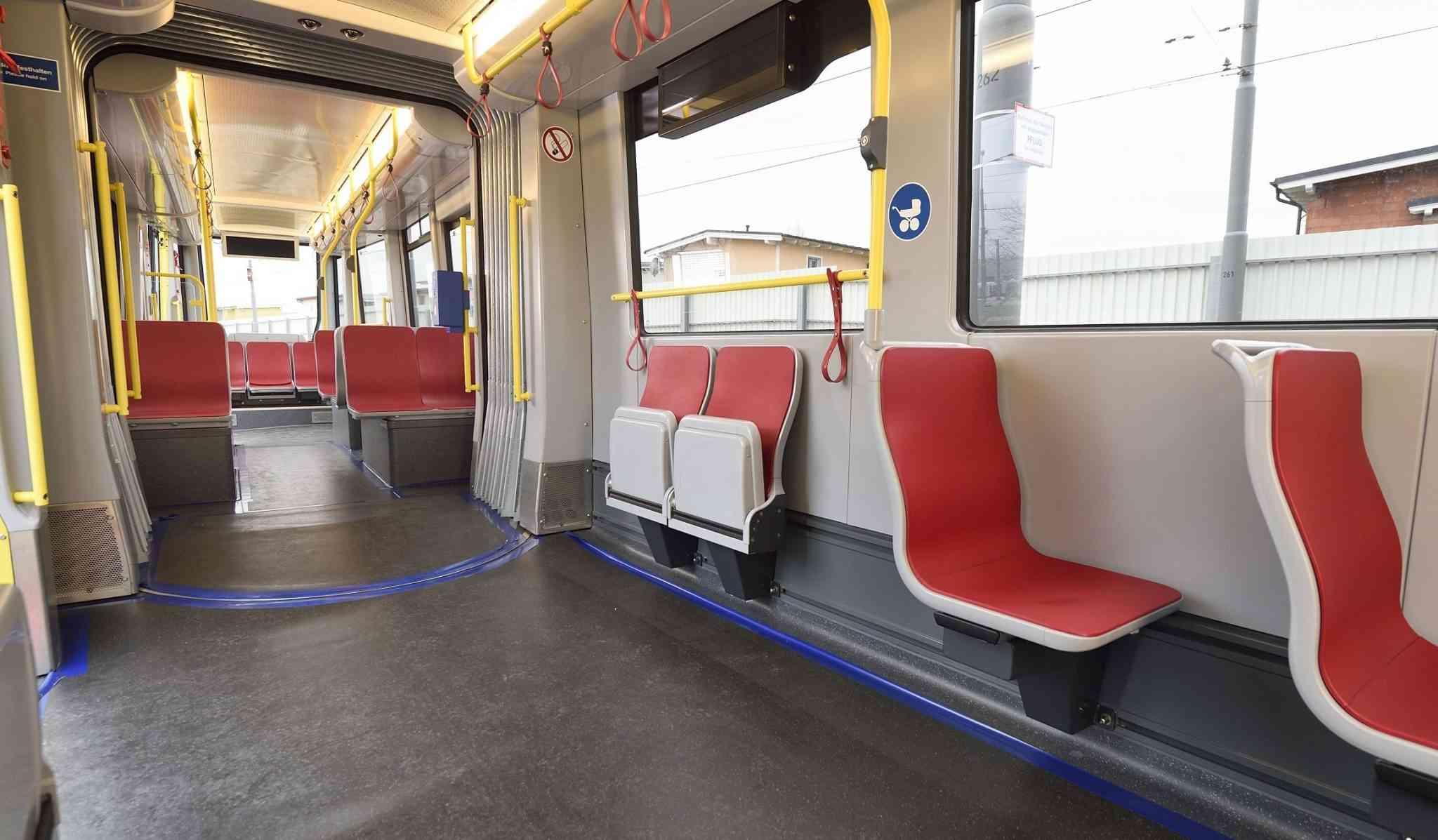 Im großzügig gestalteten Innenraum können sich Fahrgäste noch besser verteilen.