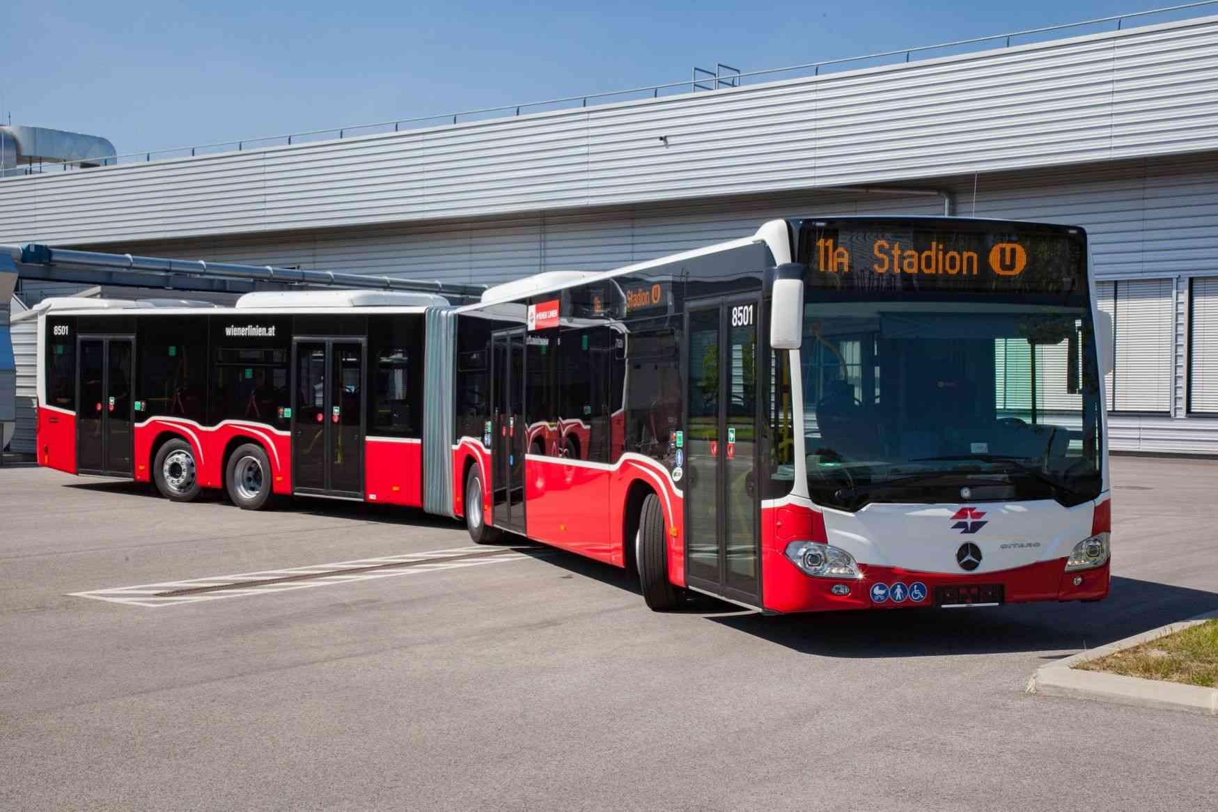 Die neuen XL-Gelenkbusse bietet auf einer Länge von 20 Metern Platz für 120 Personen.