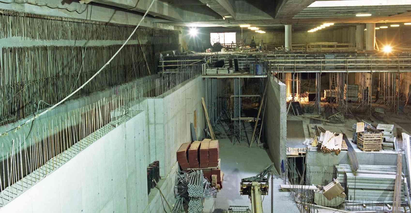 Nach einer Bauphase wurde im Jahr 1991 die erste Teilstrecke der U3 eröffnet.