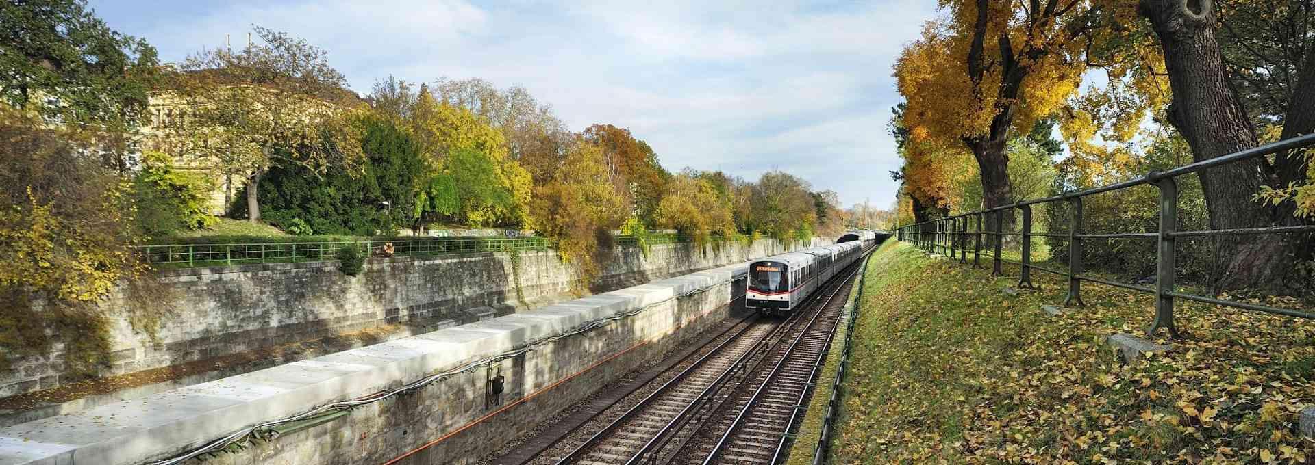 Die U4 befördert jährlich 86 Millionen Fahrgäsate auf insgesamt 20 Stationen.