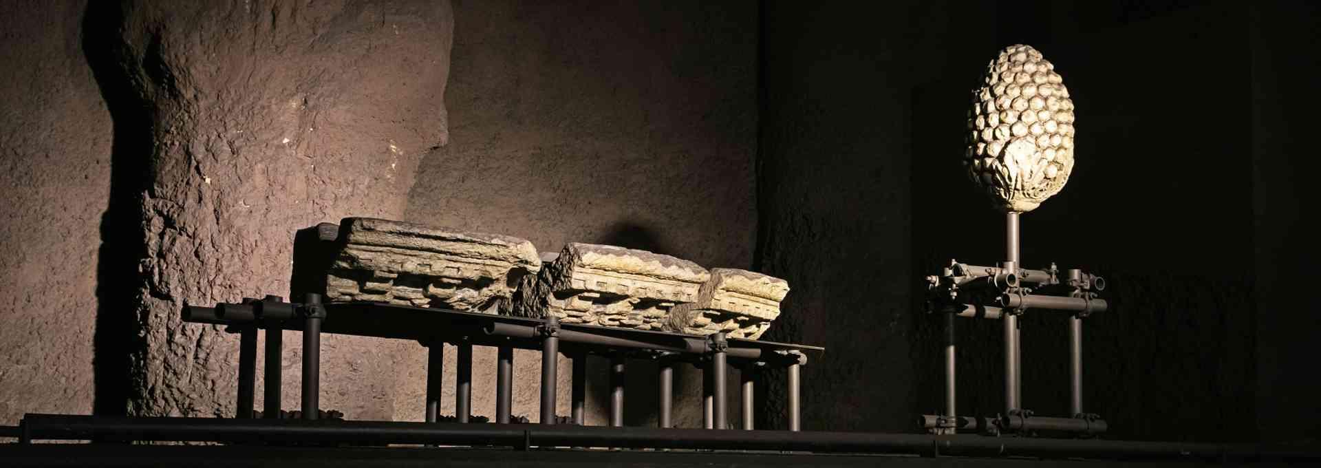 Die römischen Steinexponate in der Rochusgasse  sind etwa 2000 Jahre alt und werden in der Station ausgestellt.