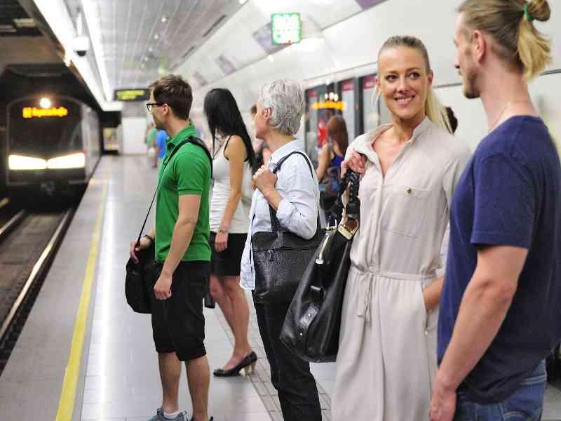 40 Jahre nach dem U-Bahn-Bau ist für 38% von Frau und Herrn Wiener das Fahren mit den Öffis Teil ihres Alltags geworden.