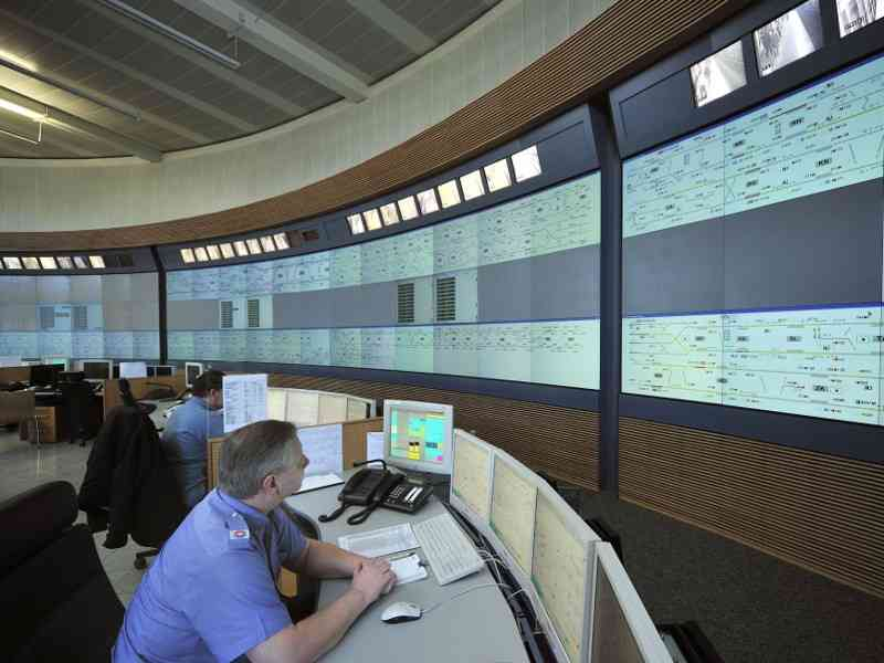Die Wiener Linien verbrauchen jährlich rund 700 Gigawattstunden an Energie, man arbeitet daran dies stetig zu minimieren.