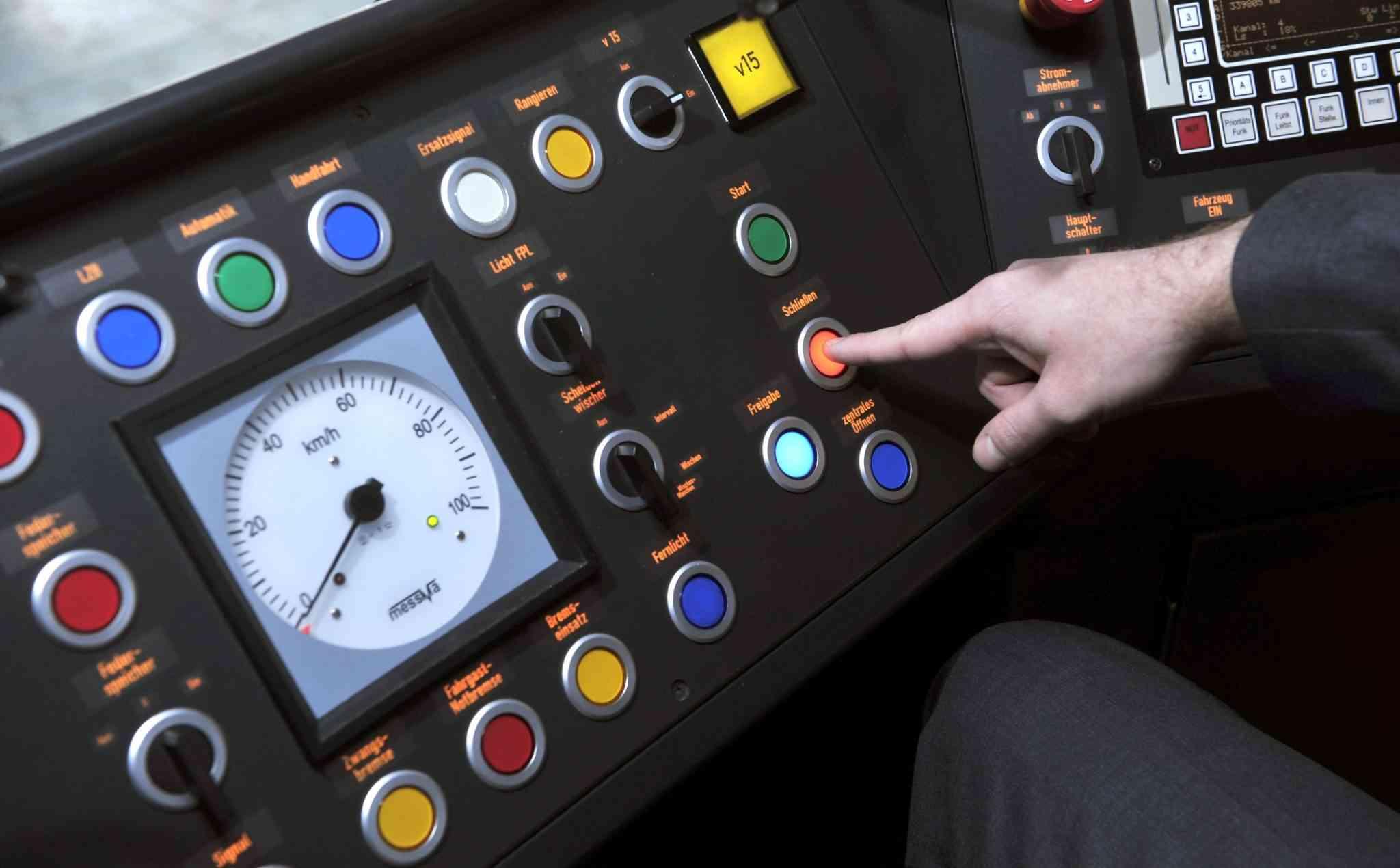Im Cockpit eines V-Zugs.