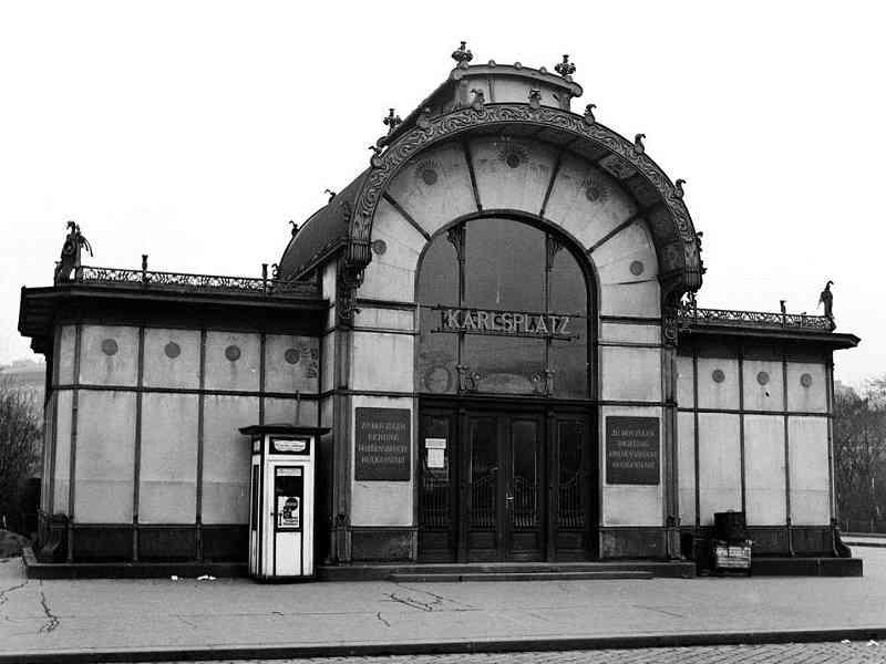 Der Pavillion am Karlsplatz im Jahr 1937.