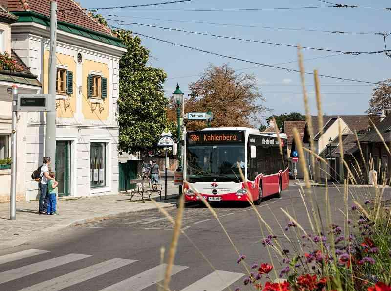 Der 38A verbindet Heiligenstadt mit dem Kahlenberg.
