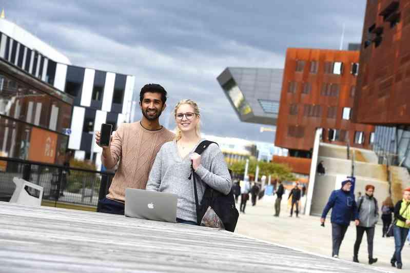Das Semesterticket kann bequem online zuhause oder unterwegs direkt am Handy gekauft werden.
