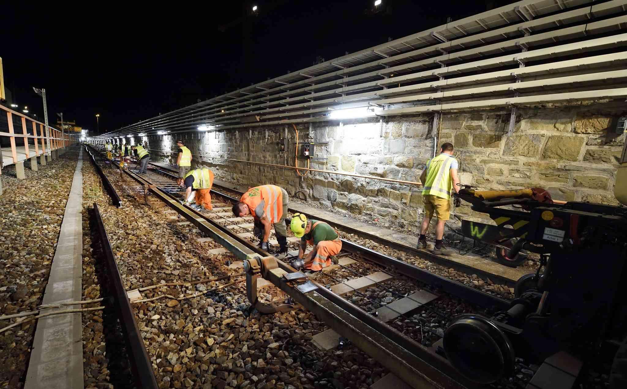 In einer Nacht kann ein Trupp 16 bis 18 Gleisteile tauschen.