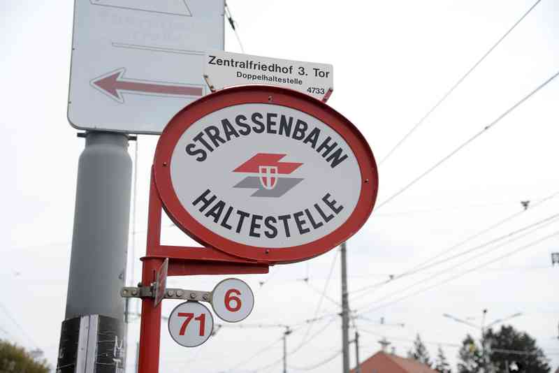 Endstation der Linie 71: der Zentralfriedhof.