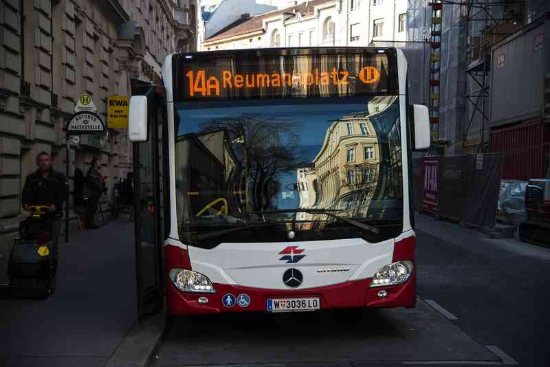 Seit 1. Oktober 2018 sind neue Gelenkbusse auf der Linie 14A unterwegs.