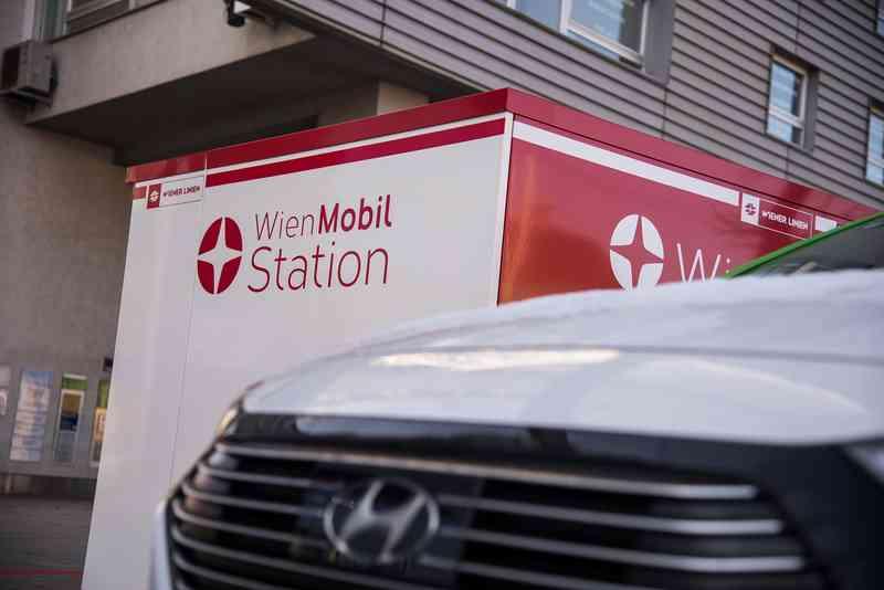 Am Simmeringer Platz könnt ihr auf das WienMobil-Sharingangebot zugreifen.