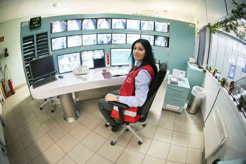 Slacana Matić war bisher als Stationswart tätig.  Ihre Erfahrung ist bei der Kommunikation mit den Fahrgästen ein großer Vorteil.