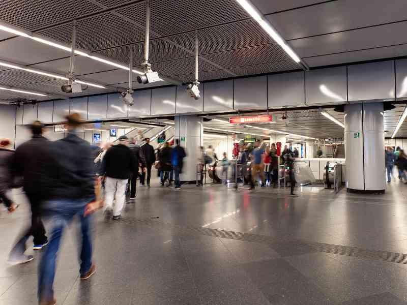 Rekordverdächtiger Fakt: Fast 966 Millionen Fahrgäste nutzen die Öffis in Wien.