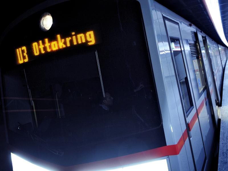 Öffi-Fakt: Die kürzeste U-Bahn ist die U3, hier Richtung Ottakring unterwegs.