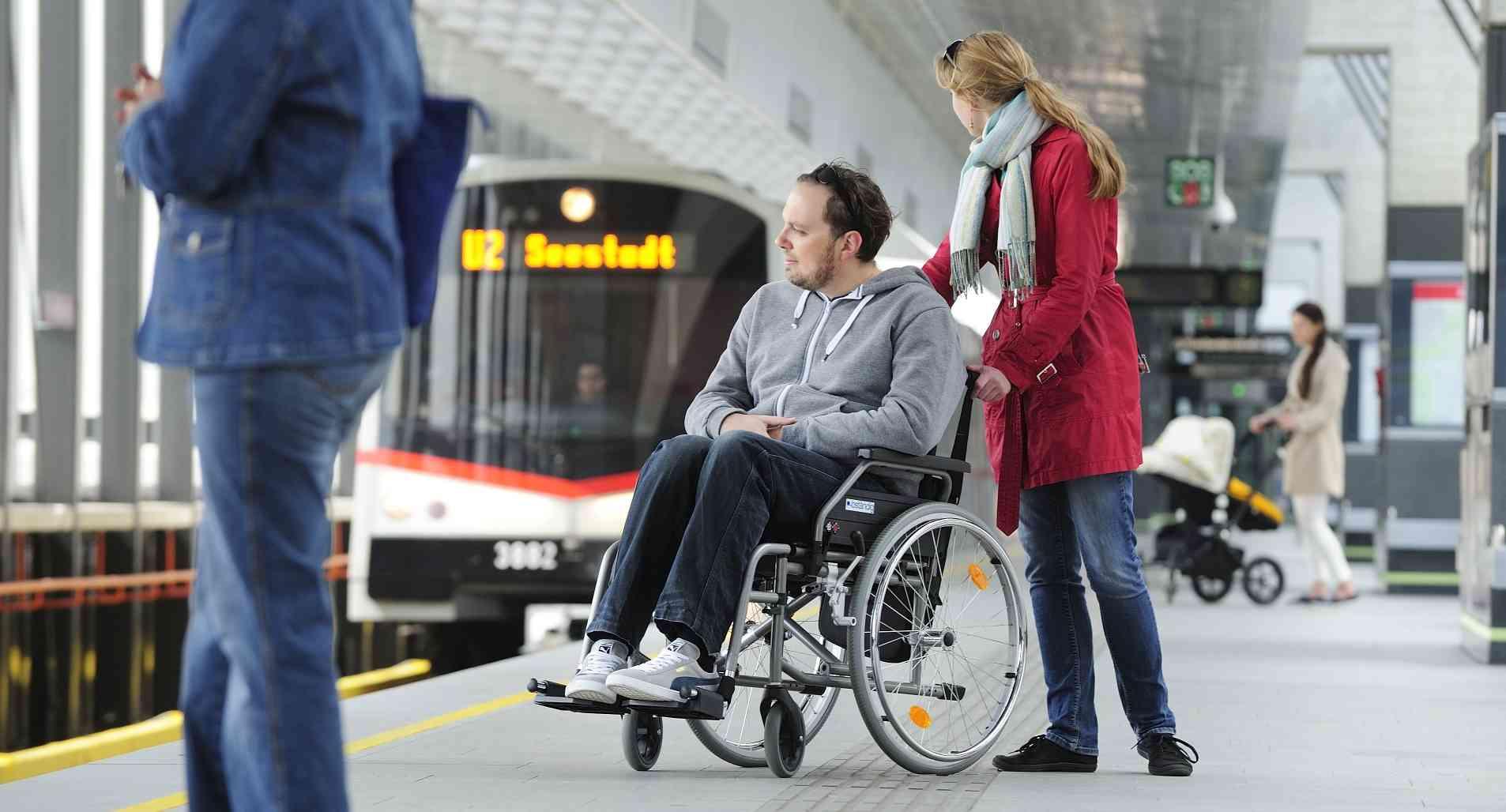 Alle 109 U-Bahn-Stationen sind barrierefrei. Von den Bim- und Bushaltestellen sind es 95 %