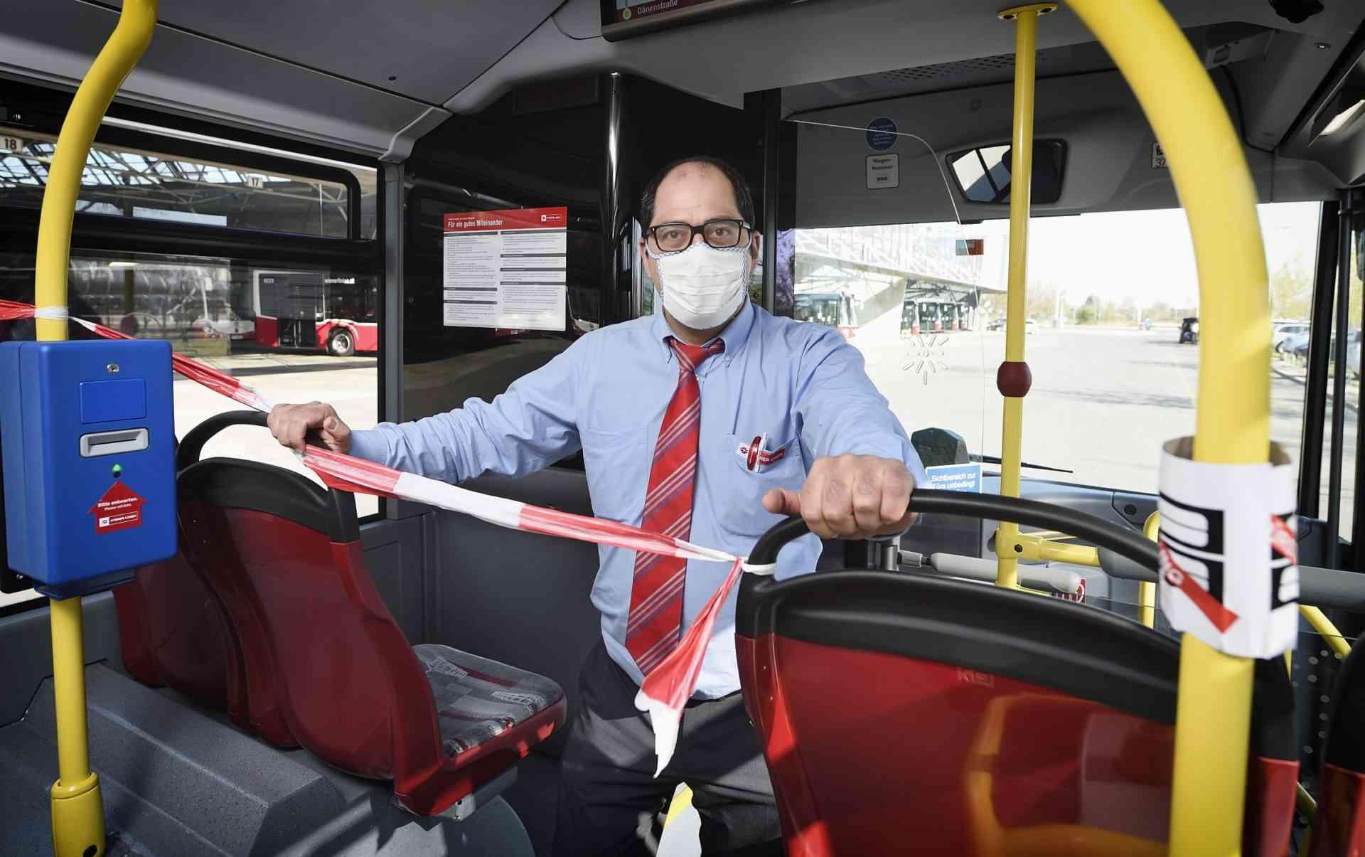 Im Krisenstab entschieden: Um die Ausbreitung der COVID-19 Erkrankung einzudämmen, werden in den Bussen der Wiener Linien besondere Schutzmaßnahmen getroffen.