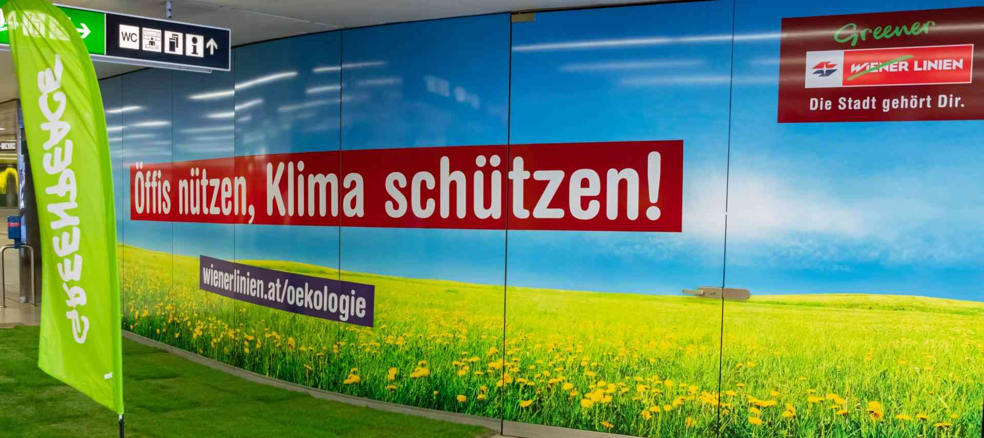 Greenpeace Infostand Karlsplatz