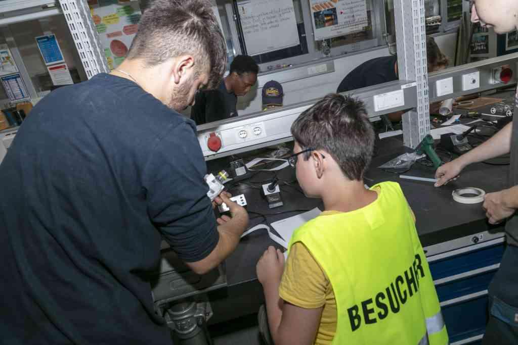 Jugendliche können die Hauptwerkstätte im Rahmen von wienXtra erleben.
