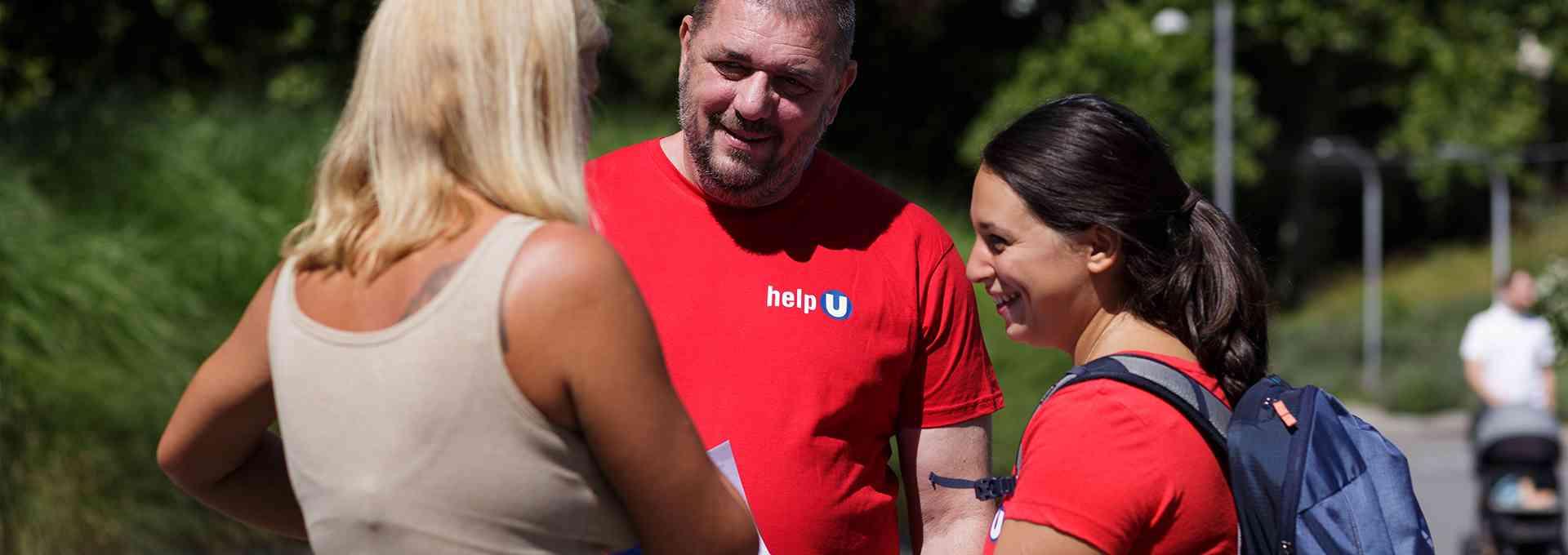 helpU-MitarbeiterInnen bei der Arbeit